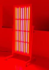 czerwone światło lampy